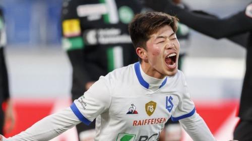 Suzuki Toich 2 goals agaisnt St_Gall