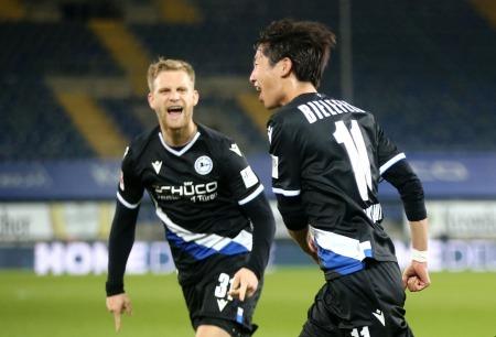 Arminia Bielefeld 1-0 Freiburg - Masaya Okugawa own goal