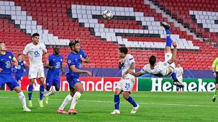 Chelsea 0 - [1] Porto [2-1 on agg] - Mehdi Taremi bicycle kick goal