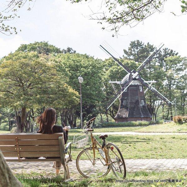 名古屋観光 レンタサイクルで名城公園 風車