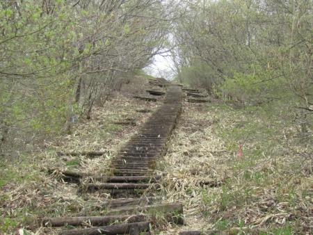200510三ツ峰山・旭岳 (16)s