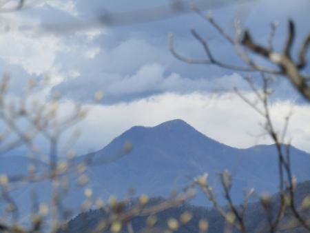 200510三ツ峰山・旭岳 (39)浅間隠山s
