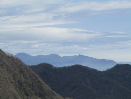 200510三ツ峰山・旭岳 (73)赤城山s