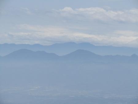 200510三ツ峰山・旭岳 (85)御荷鉾山s