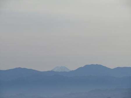 201101鼻曲山・満天山 (25)富士山s