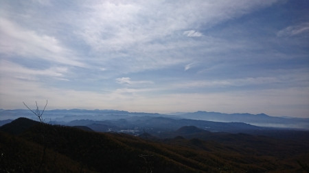 201101鼻曲山・満天山 (29)富士山~八ヶ岳s