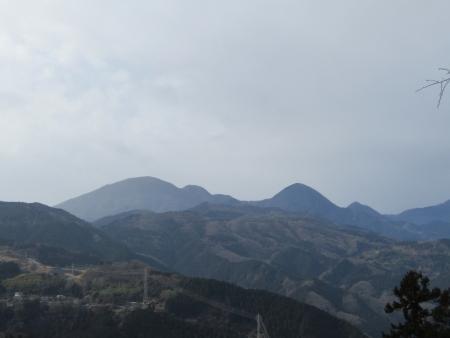 201230子王山~日向山 (8)御荷鉾山s