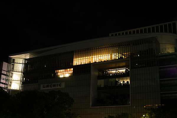 夜の百貨店