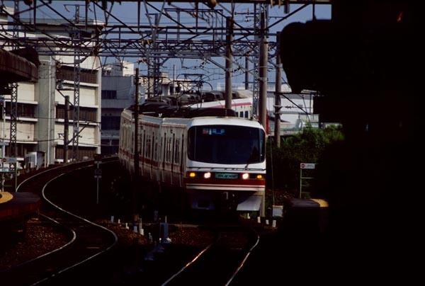 4169_03_1800t.jpg