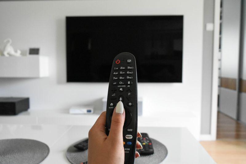 tv-4308537_1920_20201108.jpg