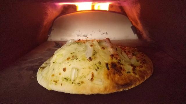簡易ピザ窯の中、これはなんでこんなに膨らんだ?
