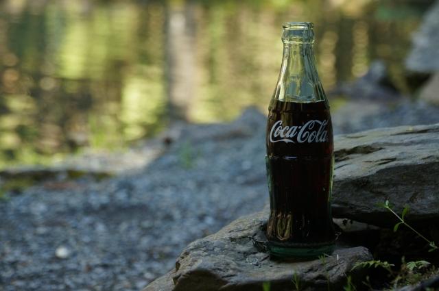 コカコーラの水辺