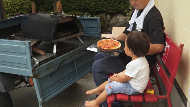 KABUTO カブト ピザ窯を載せたピアジオでピザを焼く