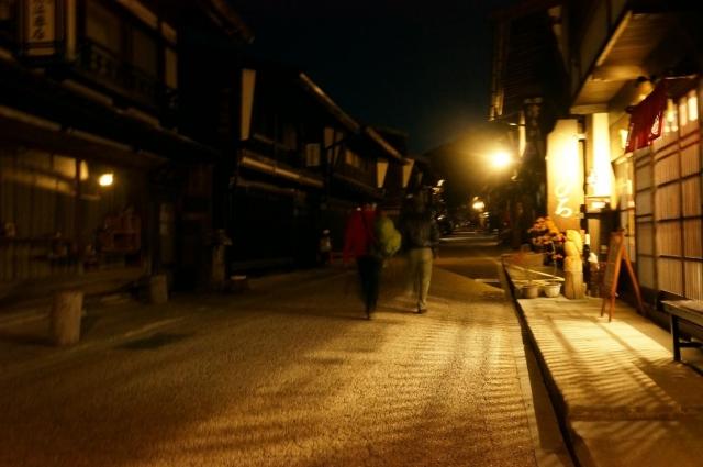 暗くなった頃、奈良井宿に付きました