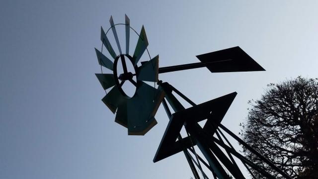 夕刻の風車・WINDMILL