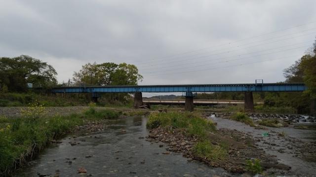高麗川鉄橋を行くキハ100 1