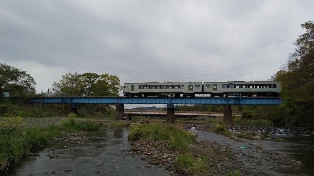 高麗川鉄橋を行くキハ100 7