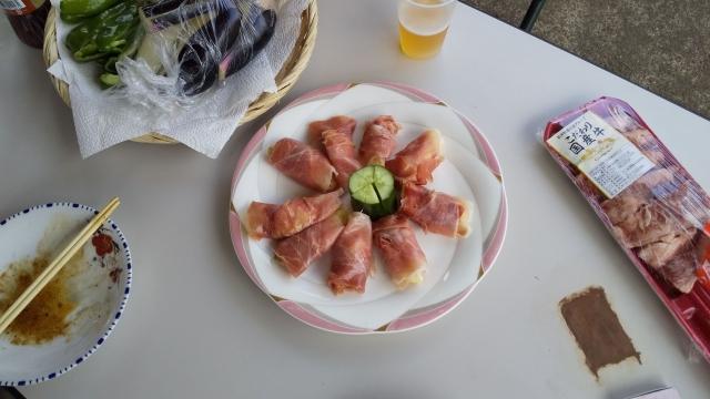 生ハムでいちじくを巻いた食べ物、美味しかった!!