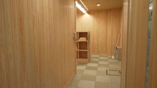 新装なった、ひらゆの森 宿泊者用大浴場の脱衣所の入り口