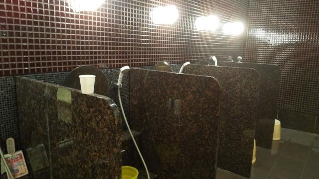 新装なった、ひらゆの森 宿泊者用大浴場の洗い場