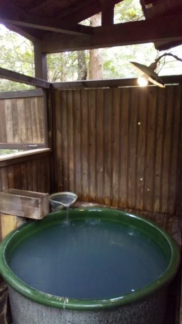 ひらゆの森 一番奥のコテージの客室風呂、全景