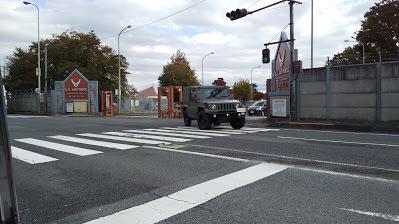 横田基地から出てくる自衛隊の車 日野の羽村工場で