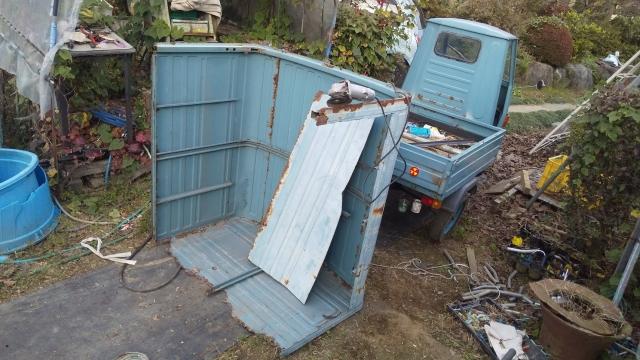 荷台の屋根の加工を始める