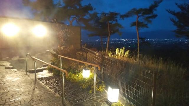 ファインビュー室山の露天風呂