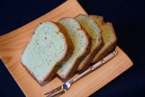 バジル風味のパウンドケーキ1