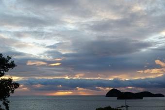 雲の中朝日2