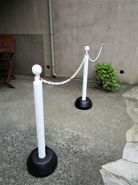 200531chain_stand
