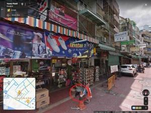 cats on street view, bangkok, june 2017