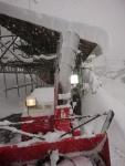 除雪機のシューター部が凍った
