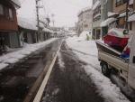 車道も歩道も雪で埋まってしまった。