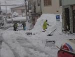 近所の方と車道除雪