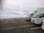 大型店の駐車場の雪