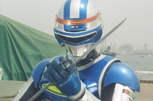 宇宙刑事シャイダーが敵の磁気攻撃にやられてレーザブレードを封じられてしまう