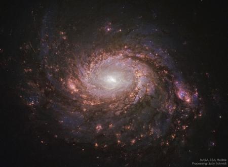 2020031902M77Halpha_HubbleSchmidt_2290 (1073x786)