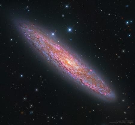 20200415 NGC253_HstSubaruEsoNew_960