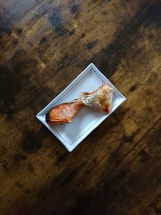 20201028C鮭カマのグリル焼き、インゲンの豚バラ巻き、小魚と海老のかき揚げ