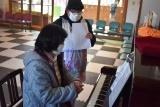 ピアノ (2)