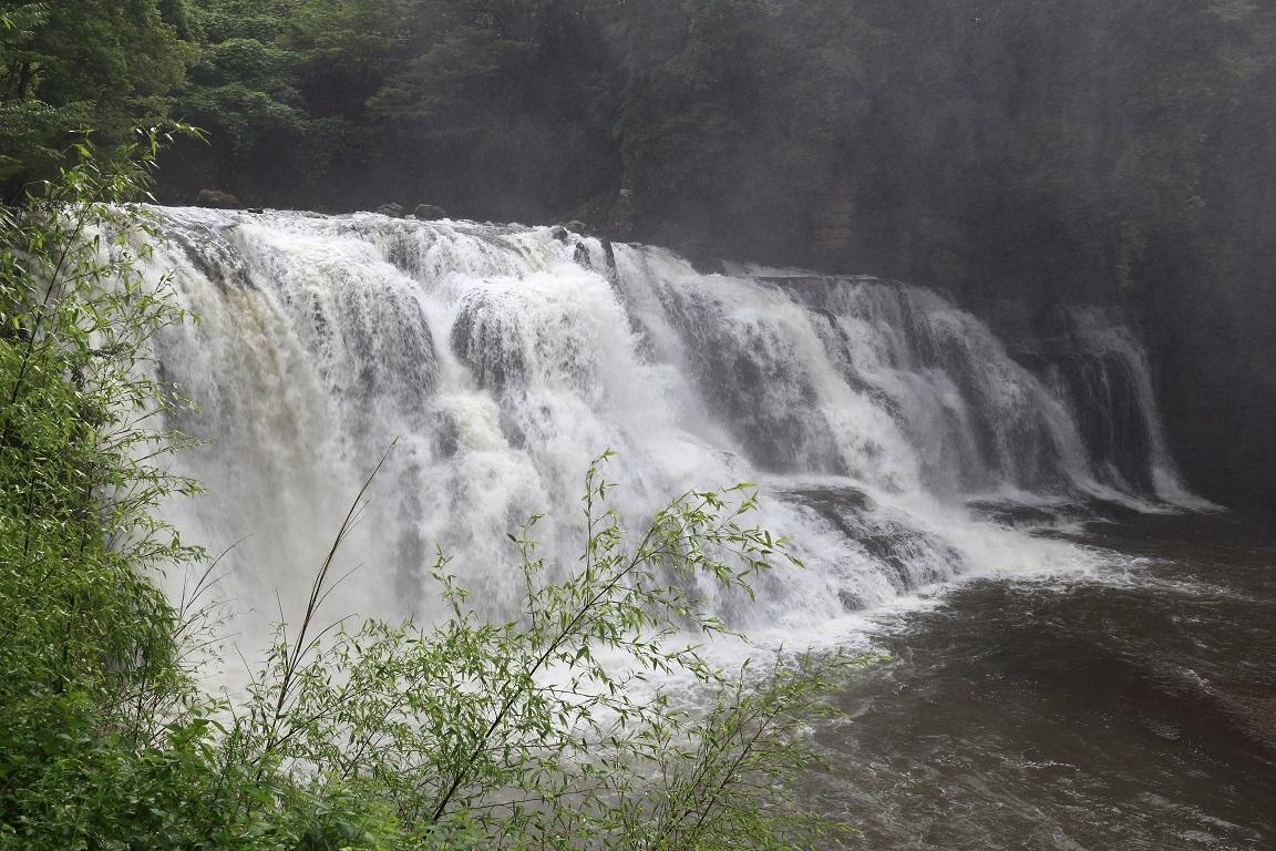梅雨時の龍門の滝`20⑧