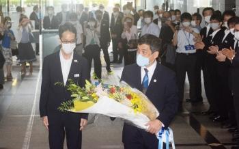 200728塩田知事初登庁01_050