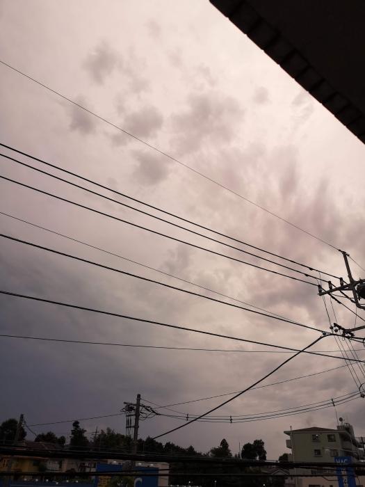 コロナ色の空