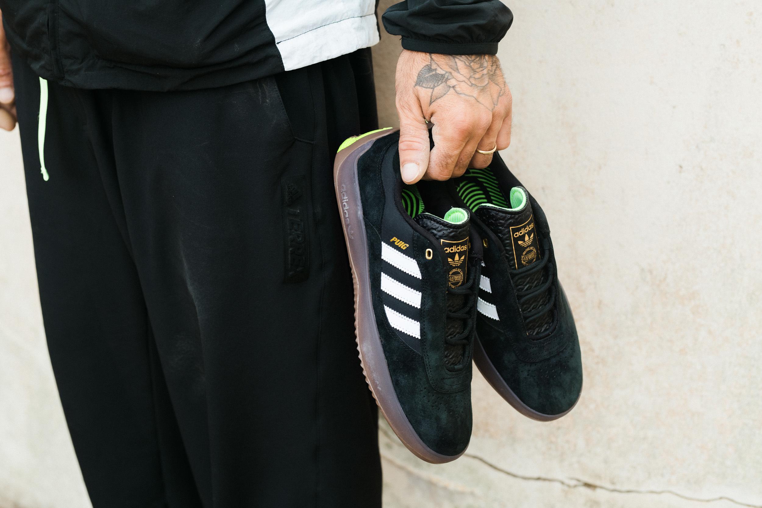 Adidas-FW20-Puig-Black-OnBody-InHands01-Color.jpg