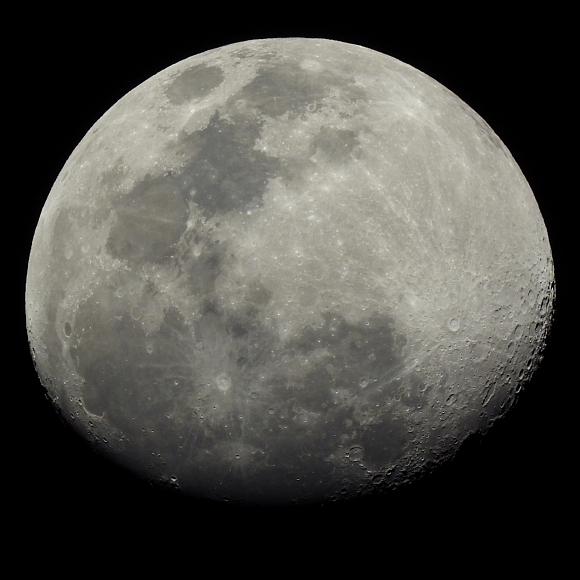 P1000_Moon_01.jpg