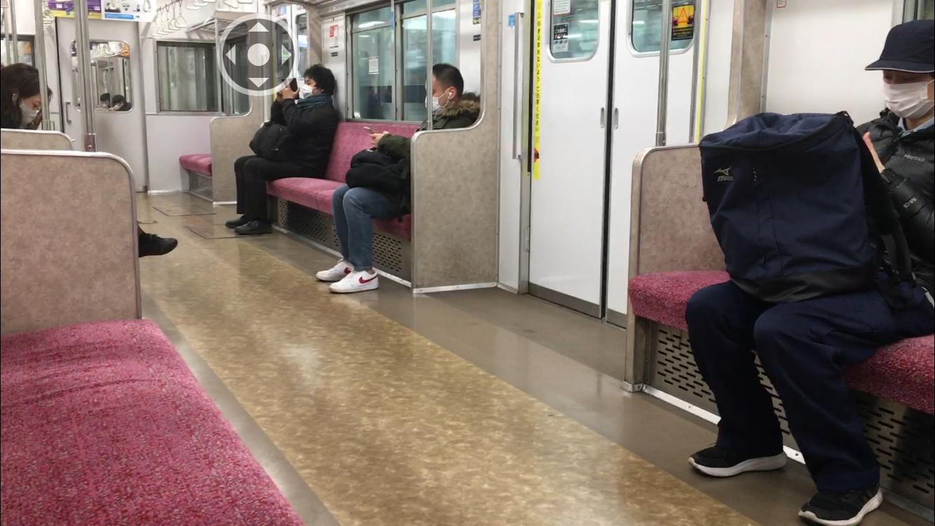 電車内ガラガラ