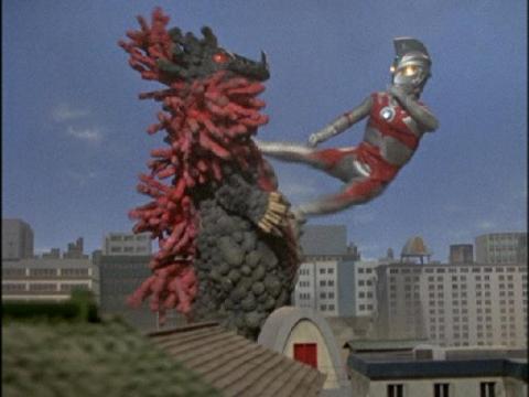 『ウルトラマンA』 第1話 「輝け!ウルトラ五兄弟」