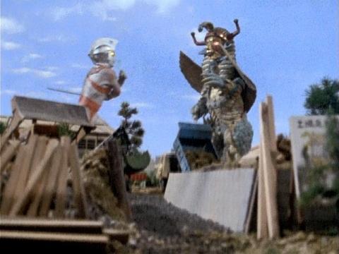 『ウルトラマンA』 第25話 「ピラミットは超獣の巣だ!」