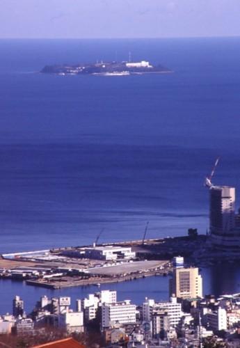 1.熱海港と初島-02P 96qr